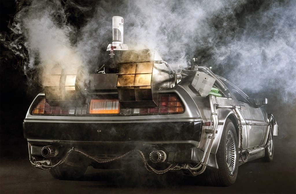 delorean dmc 12 in smoke